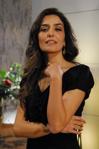 "2009 - Letícia Sabatella interpreta a ambiciosa vilã Yvone, de ""Caminho das Índias"""