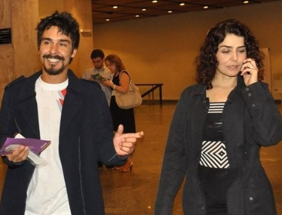 Jul.2011 - O namoro entre os atores André Gonçalves e Letícia Sabatella, que estavam juntos desde 2008, chega ao fim