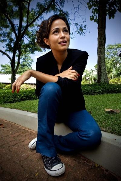 """22.nov.2012 - Nanda Costa, protagonista da trama """"Salve Jorge"""", participa de entrevista nos estúdios da Rede Globo"""