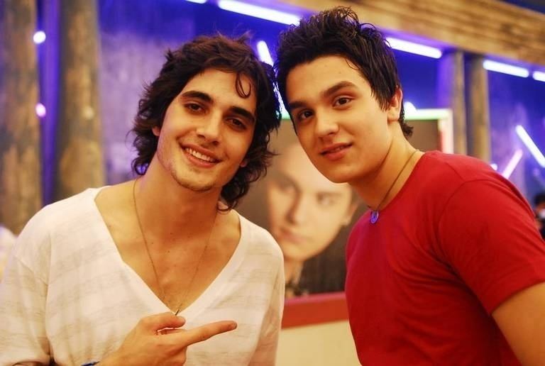"""Jan.2010 - Luan Santana faz participação em """"Malhação"""", da TV Globo. Na trama, ele interpretou um amigo de Bernardo, vivido por Fiuk (foto)"""