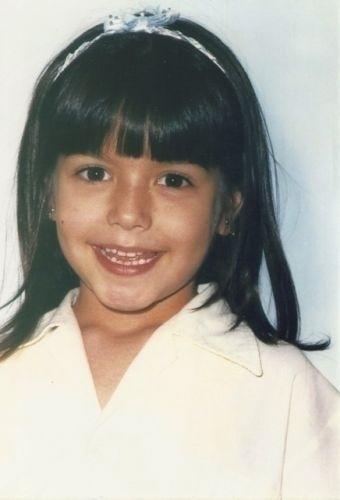 10.out.2011 - Para comemorar o Dia das Crianças, Thais Fersoza mostra foto de quando tinha seis anos aos fãs