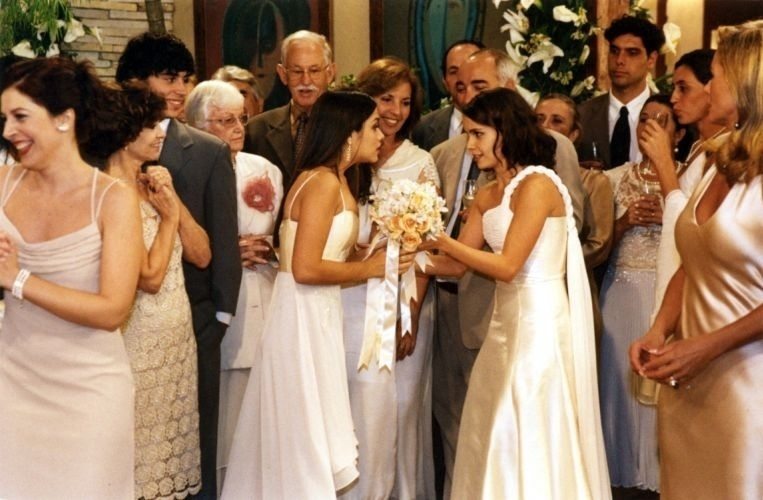 2003 - Thaís Fersoza durante cena da novela