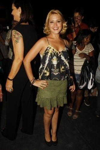 A atriz Thaís Fersoza é clicada durante os ensaios do Fashion Rio em janeiro de 2012