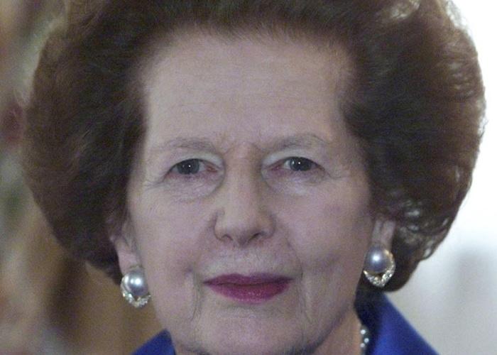18.dez.2001 - Nascida Margaret Roberts na localidade de Grantham, em Lincolnshire, Inglaterra, Thatcher estudou ciências químicas na Universidade de Oxford antes de se qualificar como barrister, categoria de advogados que existe no Reino Unido