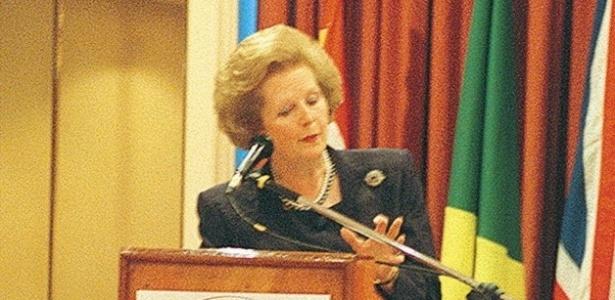 18.mar.1994 - Margaret Thatcher, a ex-primeira-ministra britânica, em café da manhã com empresários na Cultura Inglesa, durante visita ao Brasil em 1994