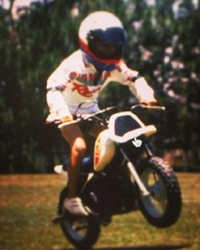 1988 - Na infância, Felipe Massa se aventurava em uma minimoto presenteada por seu pai, Titônio
