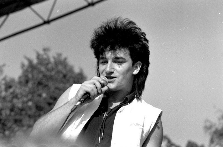 1983 - Bono em apresentação na Noruega
