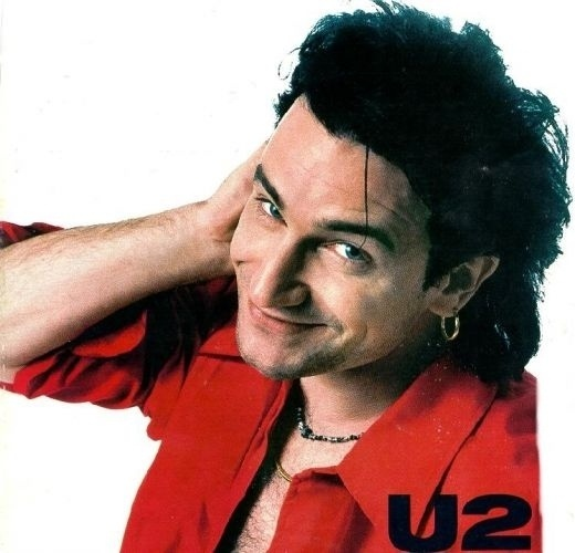 1983 - Bono posa para fotografia