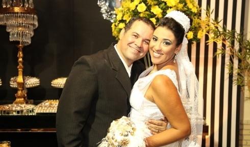 """Rodolfo Caldas e Narcisa Neto / Campos dos Goytacazes (RJ) 19/01/2013. """"Nossa história, que começou na adolescência dos anos 90 e teve um intervalo de 17 anos, completou 23 anos no dia do casamento! Um dia pra nunca mais esquecer!"""", disse Rodolfo"""