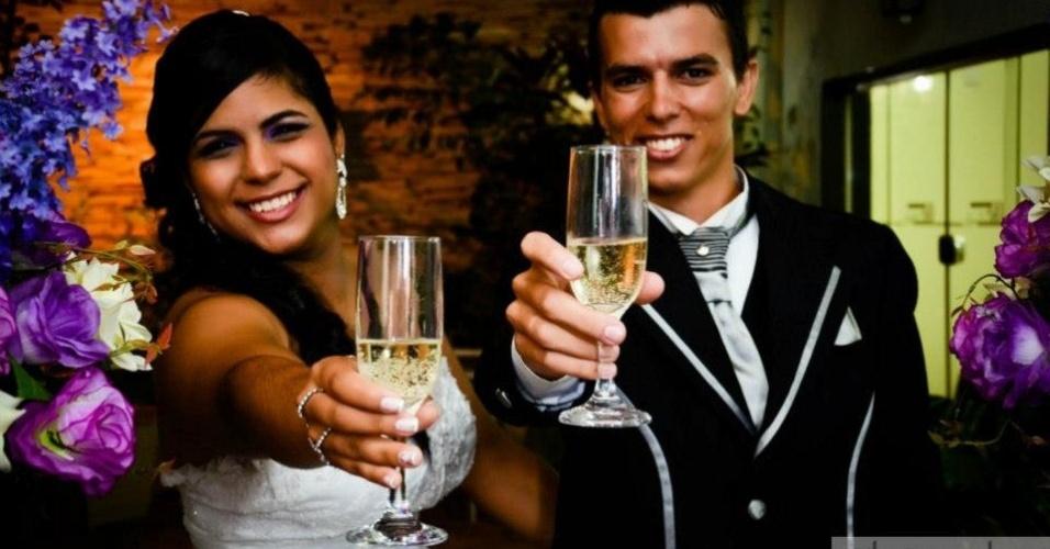 """Eduardo e Annanda se casaram em 9 de março de 2013 na cidade de Ilha Solteira (SP). """"Juntos não há estrelas que não possamos alcançar, nem sonhos que não possamos realizar"""", relatam os noivos."""