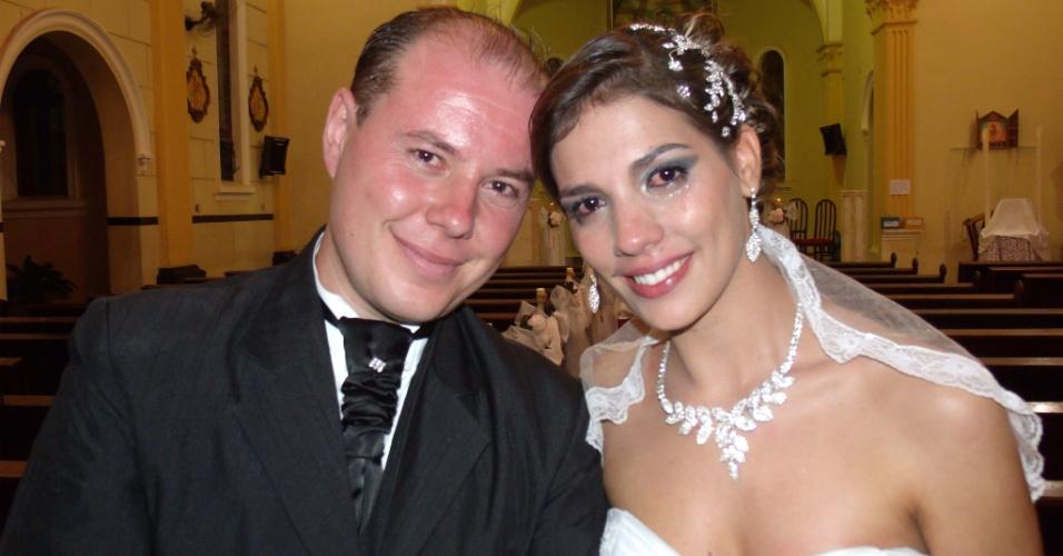 O casamento de Rafael Toledo Lopes Scaglioni e Mayara Aparecida Lopes de Paula Scaglioni aconteceu em Ocauçu (SP), do dia 23 de março de 2013.