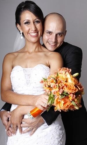 """O casamento de Edson e Joelma Silva aconteceu em Ipatinga (MG), no dia 15 de dezembro de 2012. """"O dia mais feliz em que me tornei esposa do meu lindo amor"""", relembra Joelma."""