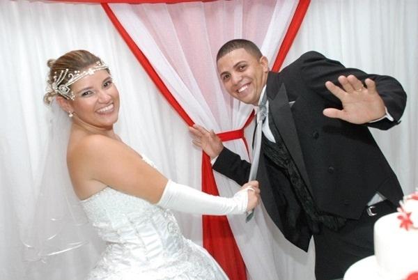 O casamento de Eriton José do Nascimento e Aline Santana da Silva do Nascimento foi em Volta Redonda (RJ), no dia 27 de outubro de 2012.