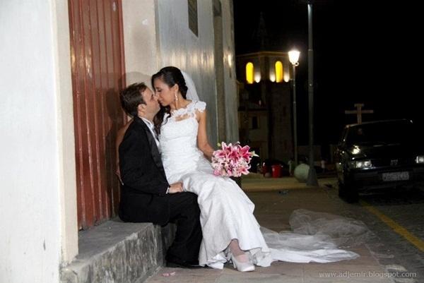 """O casamento de Luiz Marco Brito de Almeida e Taciana Veríssimo Silva aconteceu em Olinda (PE), no dia 6 de janeiro de 2012. """"Fiz a escolha certa, sou uma mulher de sorte"""", afirma Taciana."""