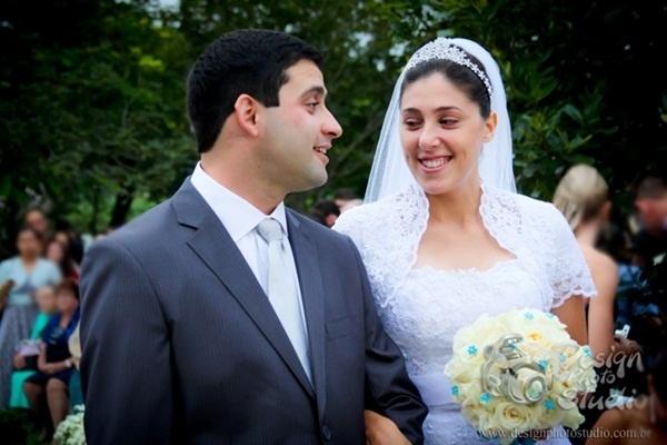 """O casamento de Zaqueu Batista e Vanessa Amâncio Batista aconteceu no dia 23 de março de 2013, em Joinville (SC). """"Um dia muito especial, o clima também foi ao nosso favor, adoraria que se repetisse, faria tudo de novo se fosse possível"""", relata Vanessa."""