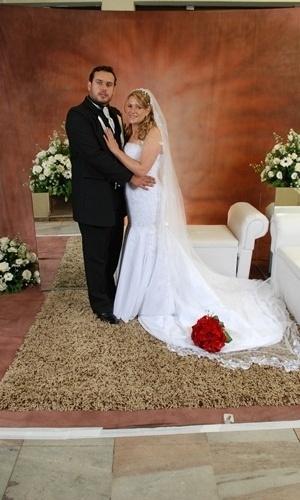 Sérgio Fabrício de Lima Bindilatti e Selma Estela Lains Bindilatti se casaram em Tupã (SP), no dia 27 de setembro de 2008.