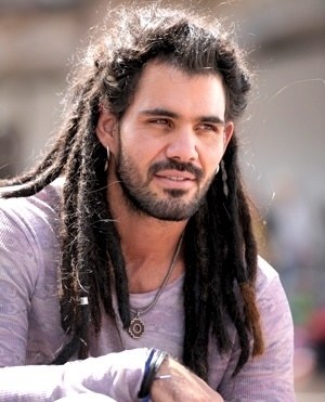 Joaquim Roveri (Juliano Cazarré) - Ninho é um homem bonito, sedutor e aventureiro, mas que vive se metendo em situações complicadas. Conhece Paloma no Peru, por quem se apaixona logo no primeiro olhar