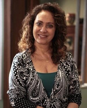 Ordália Aparecida dos Santos Araújo (Eliane Giardini) - Ordália é uma mulher de coragem que lutou para criar os filhos ao lado do marido, Denizard. Trabalha como auxiliar de enfermagem no hospital San Magno