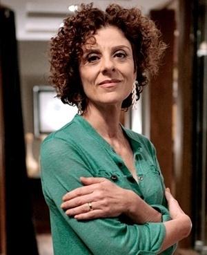 Vega Azevedo Pimenta Camargo (Christiane Tricerri) - Elegante e sempre bem arrumada, Vega é mulher de Atílio e mãe de Glauce