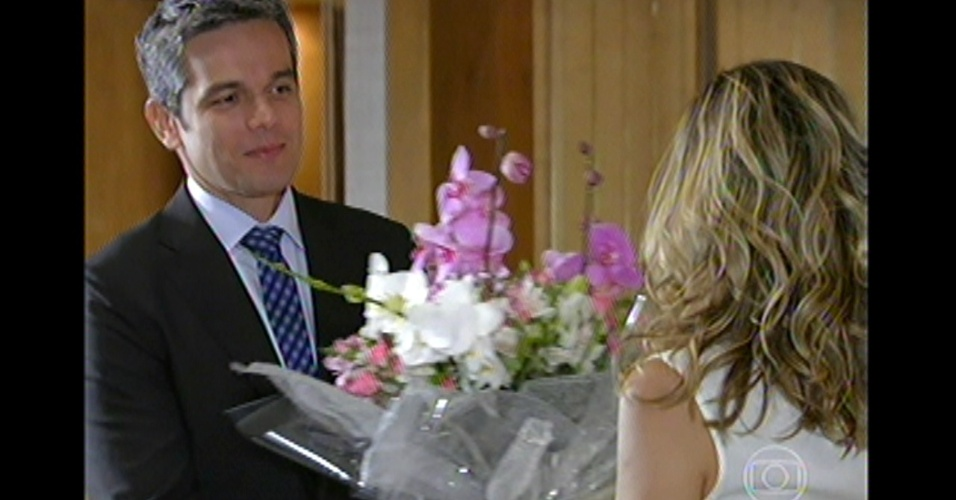 17.mai.13 - Érica e Haroldo terminam a novela juntos