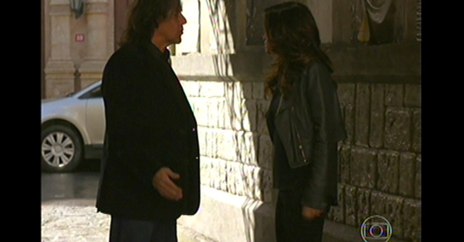 17.mai.13 - Morena acredita em Rosângela e deixa ela fugir