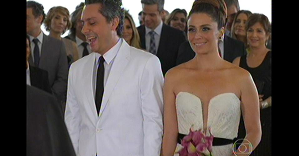 17.mai.13 - Stênio e Helô se casam novamente