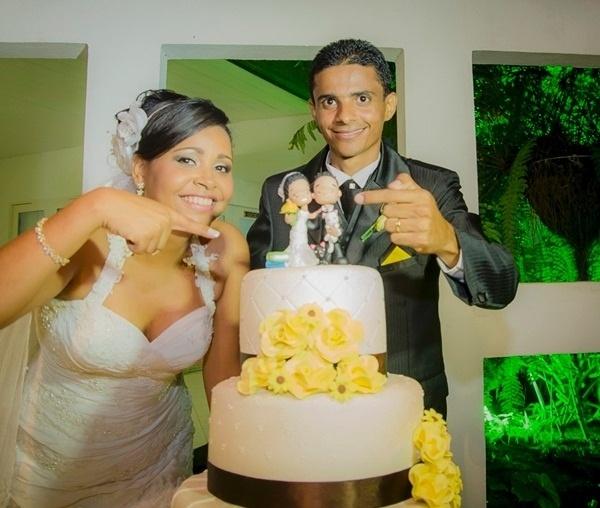 """Allan César e Vívia Dayana, de Maceió (AL), se casaram em 22 de dezembro de 2012. """"Ainda me emociono muito ao lembrar..."""", disse Vívia."""