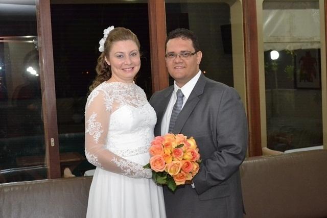 """Eliezer Inocencio e Josiane Maziero Inocencio, de Osvaldo Cruz (SP), se casaram em 26 de maio de 2012. """"Dia que Deus me uniu a ele novamente"""", comemorou Josiane."""