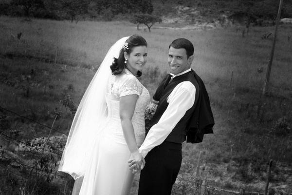 José Eduardo Corrêa Miguel e Francine Ribeiro da Costa Miguel, de Bambuí (MG), se casaram em 8 de fevereiro de 2013.