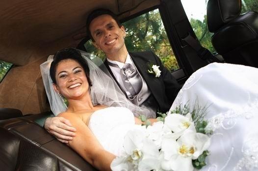 O casamento de Sandro Donisete Vichiato e Cristiane Alves Moreira foi em Sumaré (SP), no dia 8 de setembro de 2006.