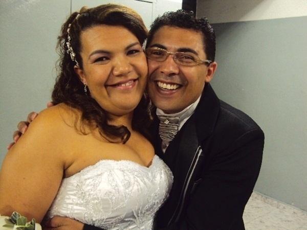 """Sisinho Paes Santana e Irene dos Santos Santana são de Vinhedo (SP). Eles comemoraram o grande dia em 6 de novembro de 2010. """"Foi um dia muito especial"""", contou Sisinho."""