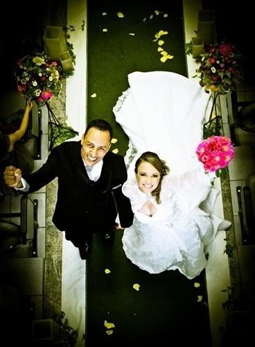 """Cristiane e Heber Metzker se casaram em Belo Horizonte (MG), no dia 3 de novembro de 2012. """"O que Deus uniu, o homem não separa"""", conta a noiva Cristiane."""
