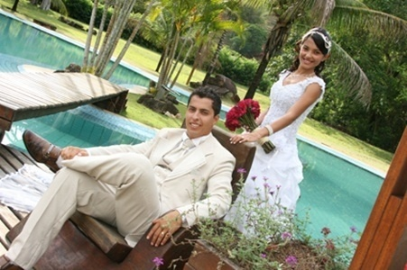 O casamento de Ennes Neuson Gonçalves de Souza e Débora Ferreira de Oliveira Souza foi em Belo Oriente (MG), no dia 27 de outubro de 2012.