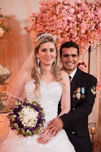 """O casamento de Rodrigo da Silva Siqueira e Gislene Moreth Siqueira foi em Guaçuí (ES), no dia 28 de setembro de 2012. """"O dia mais maravilhoso de nossas vidas"""", contou Rodrigo."""