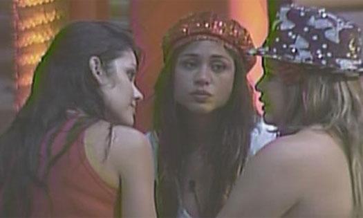 Paula diz para Talula e Maria que elas são as participantes que ela mais gosta (16/1/11).