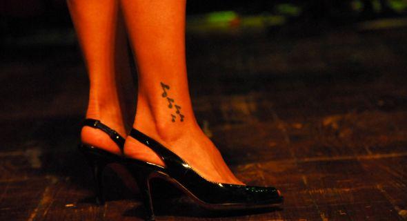 Daniela Mercury tem música dos pés à cabeça