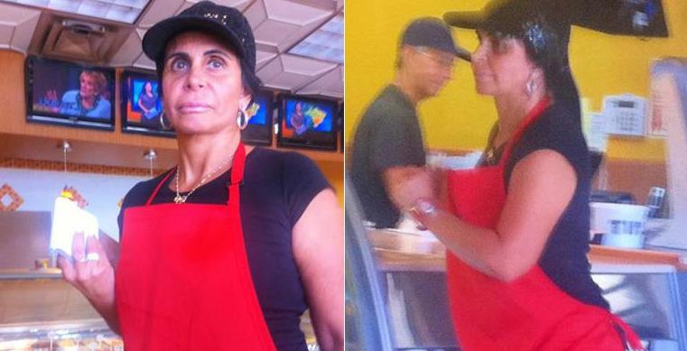 Gretchen é fotografada trabalhando como garçonete em Orlando, EUA, em um café especializado em comida brasileira. Um turista publicou imagens da cantora no estabelecimento e logo elas ganharam repercussão em todo o Brasil (29/9/11). A cena, no entanto, não passava de uma estratégia de marketing do dono do restaurante, que é amigo da cantora.