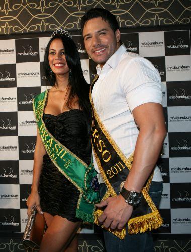 http://f.i.bol.com.br/entretenimento/fotos/miss-bumbum-brasil-2011-concurso_f_004.jpg