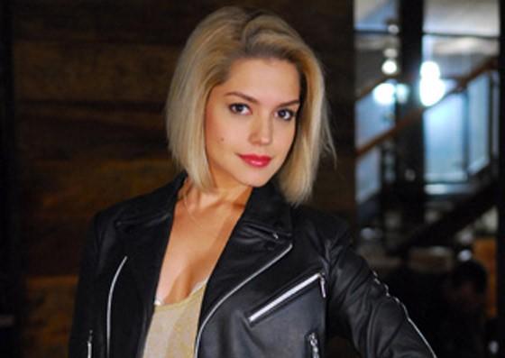 Atualmente, Thaís Fersoza está no ar como a jovem antagonista Patrícia da novela da Record 'Vidas em Jogo'