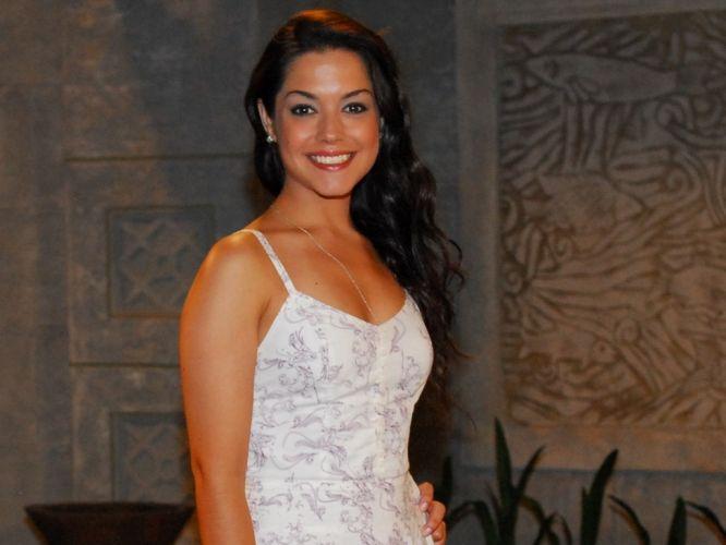 A atriz Thais Fersoza foi contratada pela rede Record em 2006 e permanece até hoje no canal. Na foto, ela atuava na programação da emissora (2/12/10).