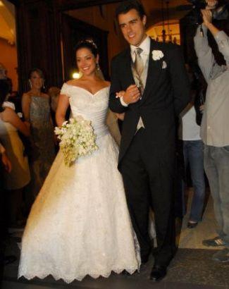 Thais Fersoza se casou com o ator Joaquim Lopes, em São Paulo (17/4/09). O casamento durou menos de quinze dias e foi alvo de uma polêmica envolvendo a atriz Paola Oliveira. Na volta da lua-de-mel, ele pediu a separação e pouco tempo depois assumiu o namoro com a protagonista de 'Insensato Coração'.