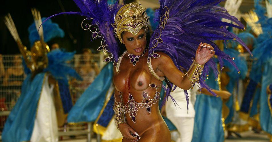 Dani Sperle é figura carimbada em escolas de samba do Rio de Janeiro e de São Paulo.