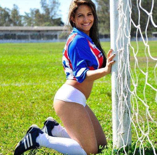 A belíssima Fernanda Rodrigues é a torcedora do Bahia