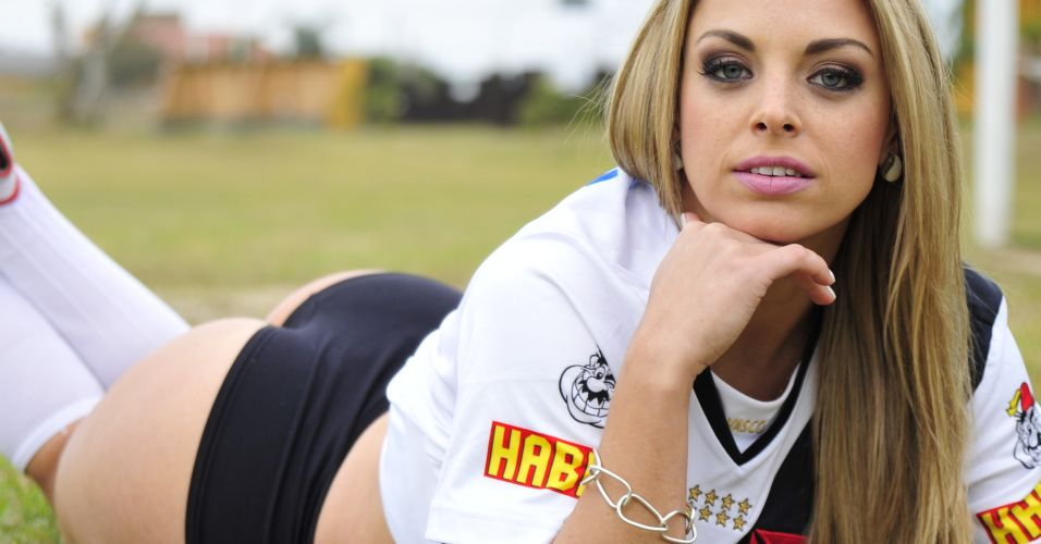Jéssica Lopes é a musa que estampa o time do Vasco no concurso Musa do Brasileirão 2011.