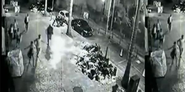 Quinta-feira (26/1) - Uma câmera de segurança gravou imagens do momento em que um dos prédios desaba no Rio e, na sequência, pessoas correndo na rua, na direção oposta. Nas imagens, também é possível observar que uma nuvem de poeira se alastra rapidamente pelo local