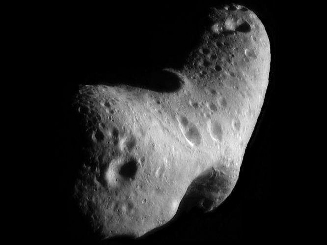 Terça-feira (31/1) - Imagem obtida pela NASA, feita por uma missão da agência no ano 2000, mostra o asteroide Eros, observado pelo telescópio espacial da NASA, assim como outras dezenas de asteroides que estão próximos à Terra. Hoje, Eros vai se aproximar do planeta como nunca antes havia ocorrido nos últimos 37 anos, a uma distância de 26,7 milhões de quilômetros. Será possível visualizá-lo com telescópios modestos, já que Eros tem 34 quilômetros de largura. Isso só se repetirá em 2056