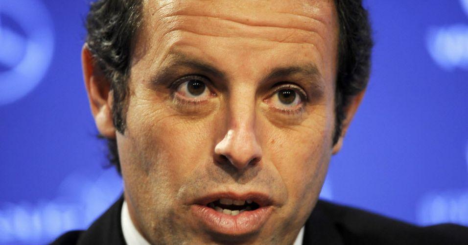 Sexta-feira (17/2) - Presidente do Barcelona FC, Sandro Rosell em fotografia de 6 de fevereiro de 2012. O empresário teria depositado R$ 3,8 milhões na conta da filha de 11 anos de Ricardo Teixeira, da CBF, em junho do ano passado