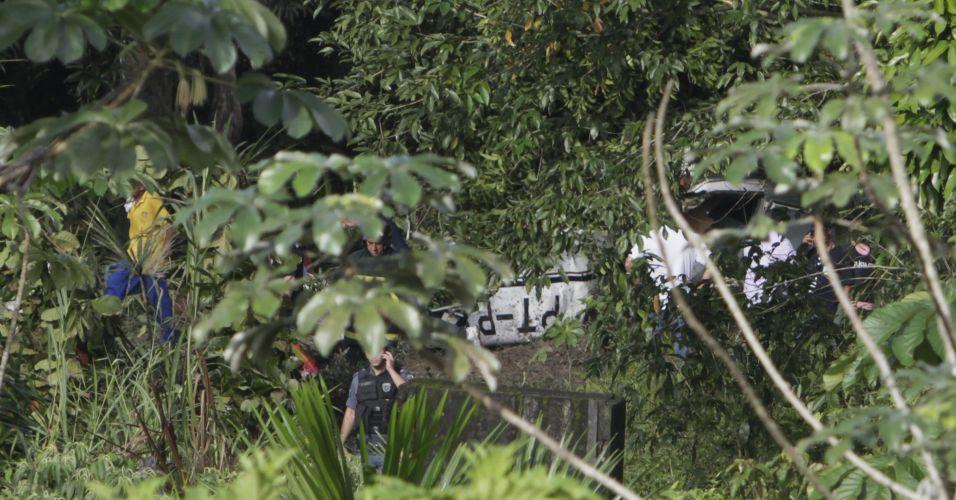 Terça-feira (28/2/12) - Monomotor Caravan, com prefixo PTPTB, da companhia CTA Claiton Táxi Aéreo, cai logo depois de decolar do Aeroclube Amazonas, em Manaus, na manhã desta terça-feira (28). O piloto morreu. Segundo informações iniciais do Corpo de Bombeiros, a aeronave caiu às 6h20, cerca de 400 metros depois do aeroclube, em uma área de mata fechada.