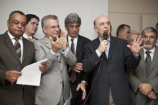 Quarta-feira (29/2) - Em sua primeira entrevista após entrar na corrida eleitoral de São Paulo, o ex-governador José Serra afirmou que não disputará as eleições de 2014 e que cumprirá 'o mandato de prefeito por quanto tempo o mandato durar, ou seja, até 2016'.