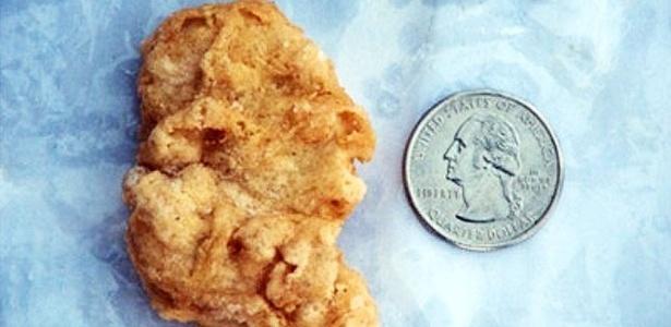 Terça-feira (6/3) - A norte-americana Rebekah Speight vendeu no site eBay por mais de R$ 13.700,00 (5.000 libras esterlinas) um pedaço de frango empanado do McDonald's - o famoso McNugget - que se assemelha à imagem de perfil do ex-presidente dos Estados Unidos George Washington.